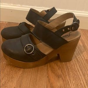 Free People Black leather & wooden clogs